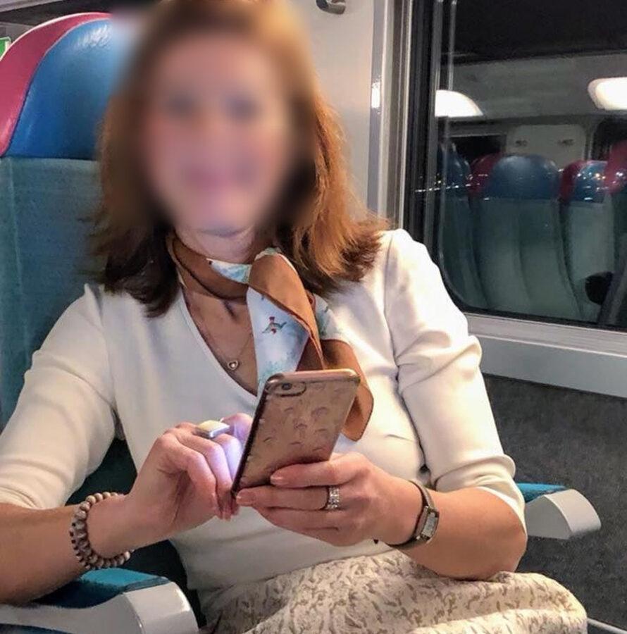 Evelyne charmante rousse à gros seins, de Lyon