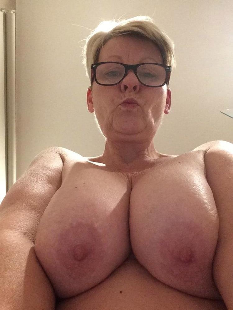 Olga vieille chaudasse méga loches 7
