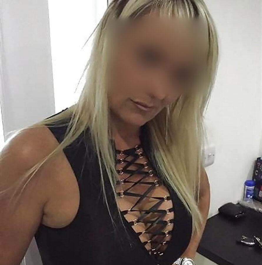 Plan baise avec Barbara, blonde sexy infatigable !